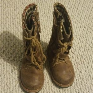 Size 5 brown boots